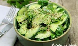 Salade de mâche et de concombre