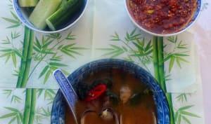 Soupe coréenne aux épinards et palourdes