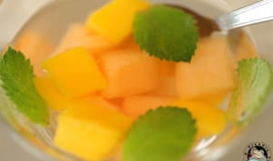 Eau détox mangue melon menthe