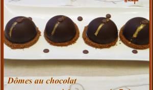 Dômes au chocolat à la mousse de poire et croquant spéculoos