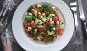 Salade de pastèque fraises concombres et feta
