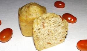 Gâteau au yaourt, tomates cerise et parmesan