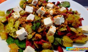 Salade de pousses d'épinards aux ravioles grillées