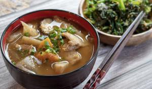Soupe miso au porc et légumes