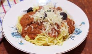 Spaghetti à la bolognaise et parmesan