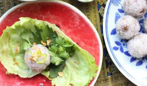 Boulettes laotiennes vapeur de porc caramélisé et de perles de tapioca