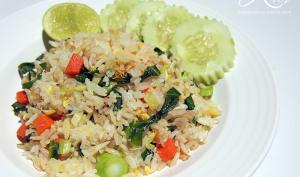 Riz frit thaï au crabe