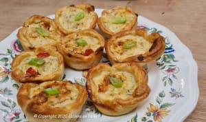 Tartelettes tomates cerises, thon, piments doux, fromage ail et fines herbes