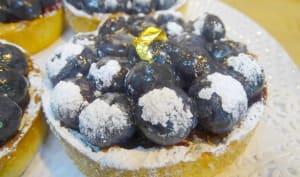 Tartelettes aux myrtilles, crème d'amande, confit de myrtilles