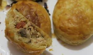 Feuilletés apéritifs au poulet râpé et champignons