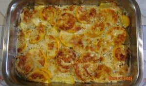 Courgettes gratinées, sauce crémeuse au parmesan
