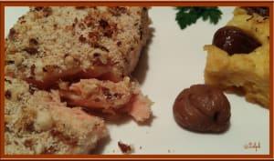 Pavé de saumon en croûte de noisettes, polenta aux châtaignes et aux herbes