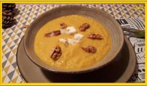 Velouté de poireaux, carottes, gorgonzola et noix