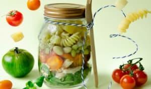 Salade poulet pâtes pesto en pot