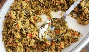 Riz aux légumes épicé cuit à la vapeur