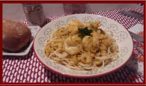 Spaghetti aux crevettes, sauce crémeuse aux épices Cajun