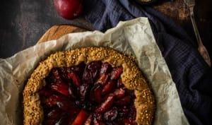 Tarte rustique aux prunes et sarrasin
