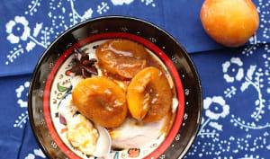 Yaourt cuit au four et prunes rôties aux épices