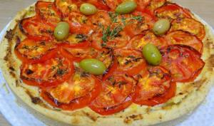 Tarte à la tomate, à l'origan et au thym frais
