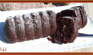 Cake au chocolat aux amandes et pignons dorés