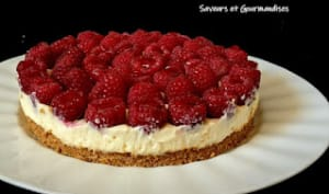 Cheesecake au chocolat blanc et framboises fourrées