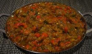 Zaâlouk d'aubergines aux tomates et poivrons à la marocaine