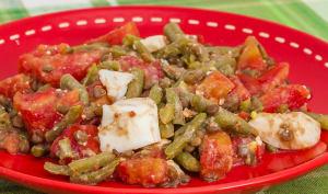 Salade de lentilles, haricots verts, tomates, œufs et feta