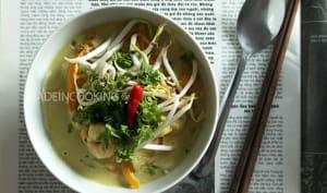 Soupe de coco aux crevettes façon Thaï