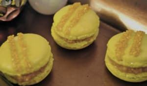 Macarons foie gras en robe d'or