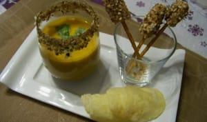 Crème de Potiron , mini-brochettes de foie gras , tuiles de parmesan