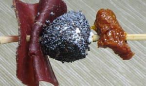 Mini brochette mozzarella/tomate/grison