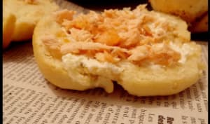 Sandwichs au pain Hala saumon et philadelphia