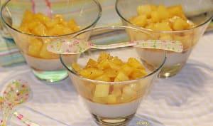 Panna cotta chocolat blanc à l'ananas flambé au rhum vieux