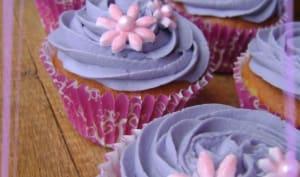 Cupcakes à la pistache et coeur aux fruits rouges