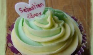 Cupcakes au citron vert et coeur de mangue
