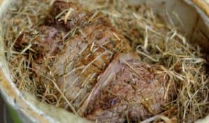 Selle d'agneau à l'étouffée au foin