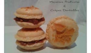 Macarons à la ganache pralinoise et crêpes dentelles