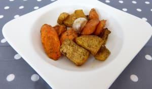 Navets boules d'or, carottes, ail en chemise rôtis