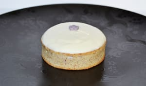 Tartelette Noisettes au Chocolat blanc et à la Crème de myrtille