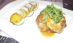 Caille gourmande chair saucisse de canard et pommes de terre sautés