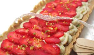 Tarte aux fraises, crème pâtissière aux fruits rouges, pâte sucrée au cacao