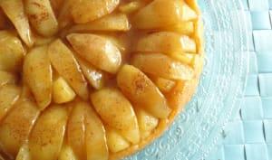Tarte Tatin aux poires et son caramel épicé au beurre salé
