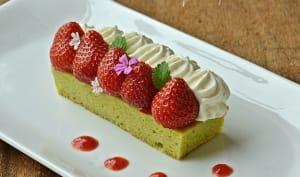 Pain de Gênes pistache, fraises, crème fromage frais combava