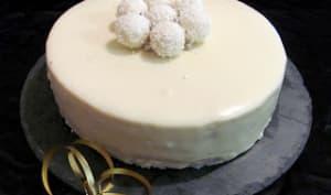 Entremet Fruits de la Passion - Noix de coco et glaçage chocolat blanc