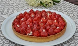 Tarte fraises, fleurs de sureau et amande
