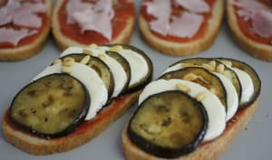 Bruschetta aubergine mozzarella