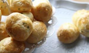 Gougères ciboulette & parmesan
