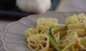 Rotelles aux courgettes et leur sauce à l'ail et au citron
