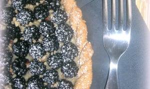 Tarte aux mûres sauvages et crème pâtissière amandes noisettes