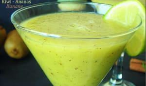 Smoothie au kiwi et ananas